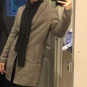 Vintage kappa i brun, gråa färger väldigt bra skick!