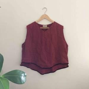 Oversize linne köpt på secondhand. Tillverkat i linnetyg