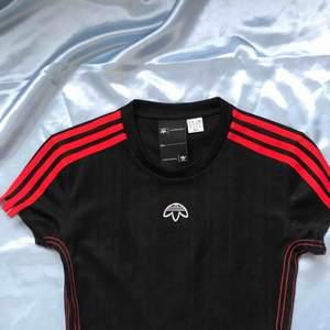 Alexander Wang x Adidas-klänning. Aldrig använd, nypris typ 1400 kr.