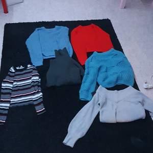 Stickade tröjor, bra kvalité, storlekar xs/s/m, paketpris 150kr eller styckvis 40kr, kom med bud annars