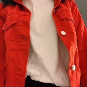 Röd jeansjacka från H&M