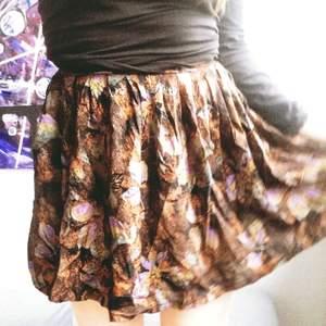 Vippig kjol från beyond retro!