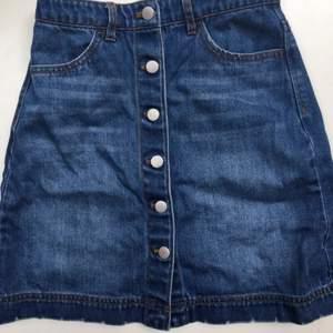 Hm trend jeanskjol storlek 34
