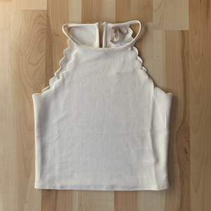 Så himla gulligt linne som aldrig är använt o kommer inte till användning. Det är från HM. Strl s. 50kr + 22kr frakt.