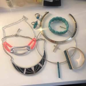 Halsband, armband & ringar✨ Allt för 90kr, endast paketpris! 💫  du står för frakt ca 32kr