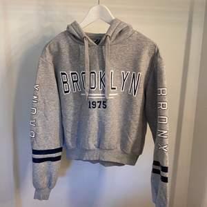 Snygg hoodie från H&M! Använd några gånger!