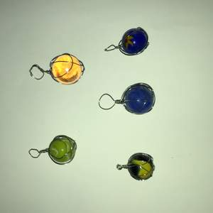 Kuler som jag gjort till berlocker:) man kan välja längd på halsband själv om man vill