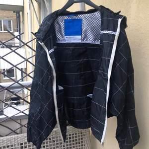 Superfin jacka från adidas, 200kr inklusive frakt