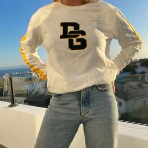 Äkta Dolce&Gabbana Vintage Collegetröja! Kvitto finns ej
