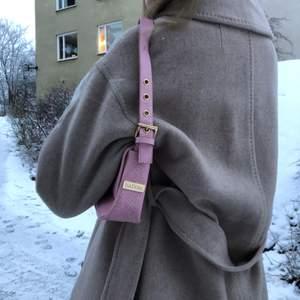 Unik jättefin väska från isadora, köptes här på Plick och är sparsamt använd💗💞💕 buda 💞