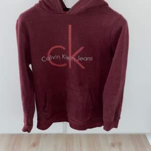 Calvin Klein, S, skick 9/10 (knappt använd), 200kr