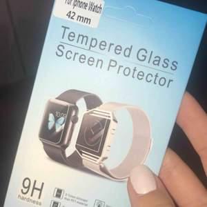 Skyddsglas till Apple Watch 42 mm. Obruten förpackning.