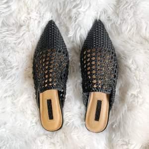 Små sandaler från Topshop, superfina men dom va lite för smala för min smAk, därav är dom helt oanvända och i nyskick! 🌹💕👏🏻✨