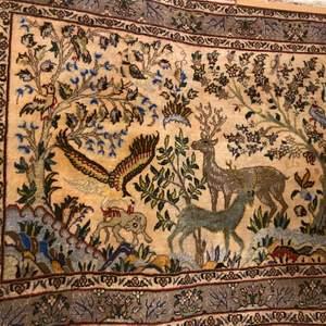 En fint persisk matta ,helt ny koster 20000 men jag säljer för 5000kr
