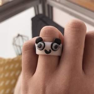 Fin panda ring 💗