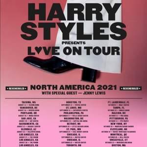 Jag söker 2 biljetter till harry styles Stockholm, Olso eller Danmark vilka biljetter som helst!!!