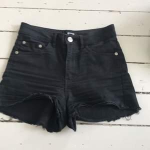 Svarta shorts från bikbok, storlek s, pris 45 kr + frakt