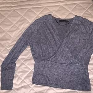 Mjuk och bekväm drap tröja, använt skick.