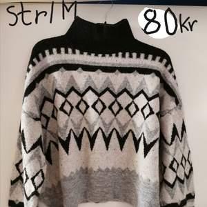 Stickad mönstrad tröja från H&M. Stolek M. Använd 1 gång, i mycket bra skick.