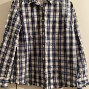 Lexington skjorta storlek Large, Loose fit.