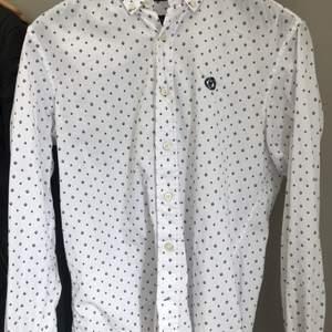 Skjorta från Henri lloyd