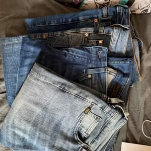 Nästan helt oanvända jeans. Styck för 80kr. Vill ni ha bild på nån av dem skriv privat!