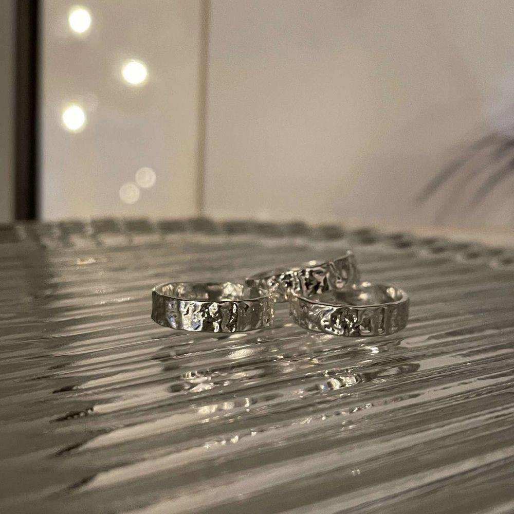 """Ring """"Emma"""".                                                                      Säljer denna superfina ring ifrån mitt smyckesföretag @jewelrybijoux_        Äkta silver. Accessoarer."""