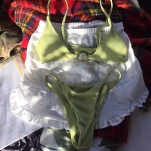 Jättefint bikini sett helt oanvänt säljer då jag köpte fel strl