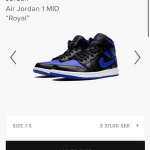 Nya Air Jordan 1. Slutsålda överallt. Märkta med strl 41 men skulle snarare säga en 40 eller större 39a med sula. Endast testade inomhus! Eftersom budgivaren inte svarar släpper jag den till första person för 1800kr