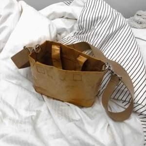 Fin liten väska från weekday💕