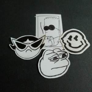 Skitcoola stickers som är handgjorda 💫 50kr för alla, står ej för frakten 💖