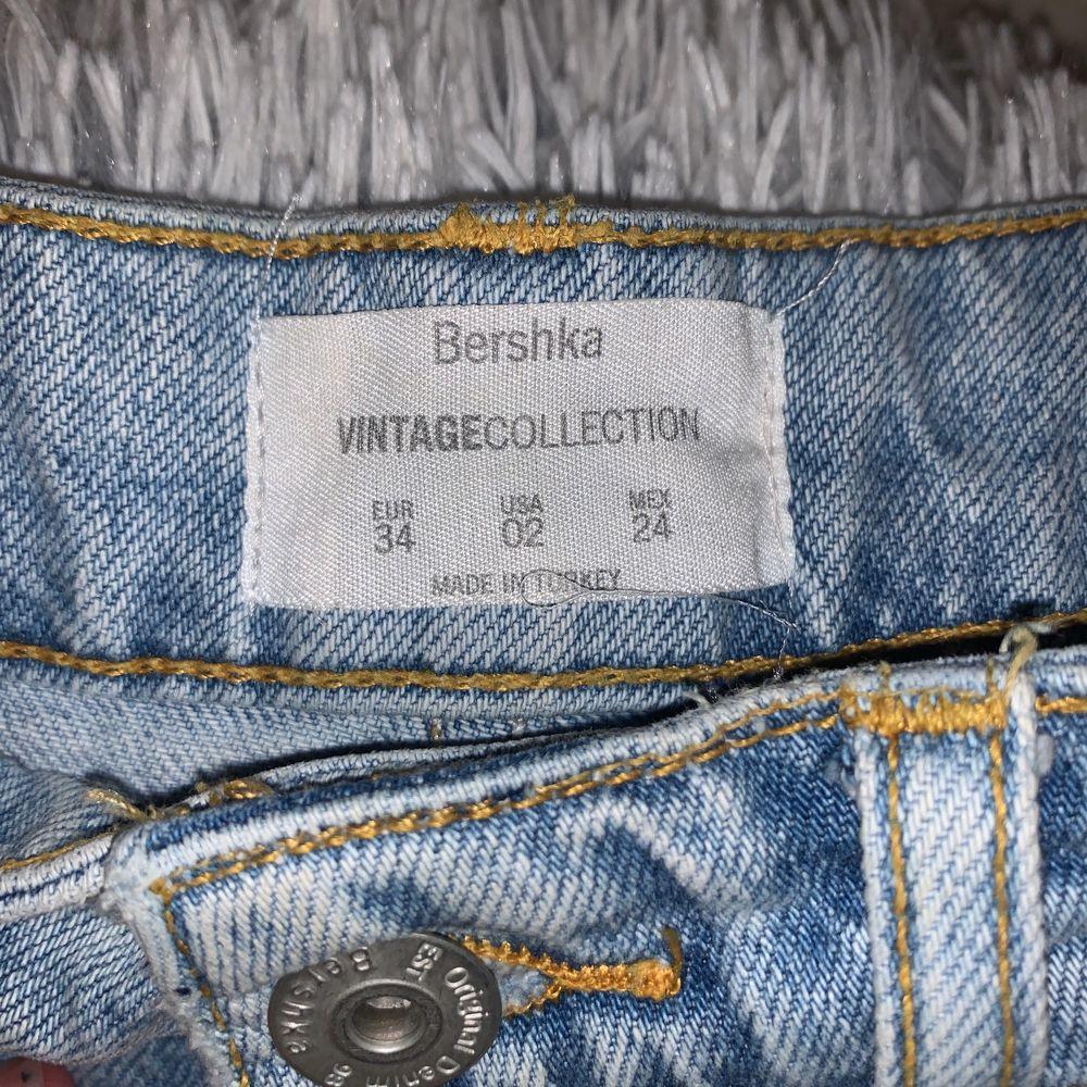 Jeans kjol från Bershka. Använt några gånger. . Kjolar.