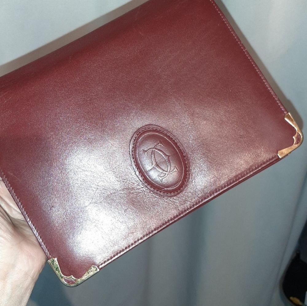 Äkta Cartier Leather Clutch Bag B22xH18cm red. Accessoarer.