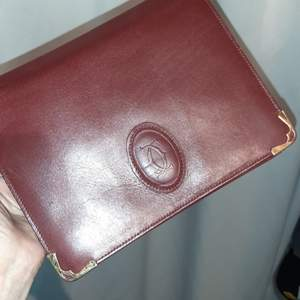 Äkta Cartier Leather Clutch Bag B22xH18cm red