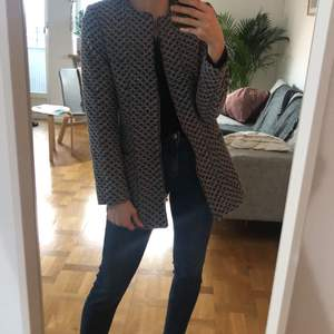 blue jacquard coat size S, very versatile, can be easily combined either with an elegant or informal outfit. Perfect condition, when first released by zara was quickly sold out. Selling because it runs small for me now, otherwise I will keep it. Be aware it is not a winter coat, it fits tailored. Love it when wear it open with cool sneakers