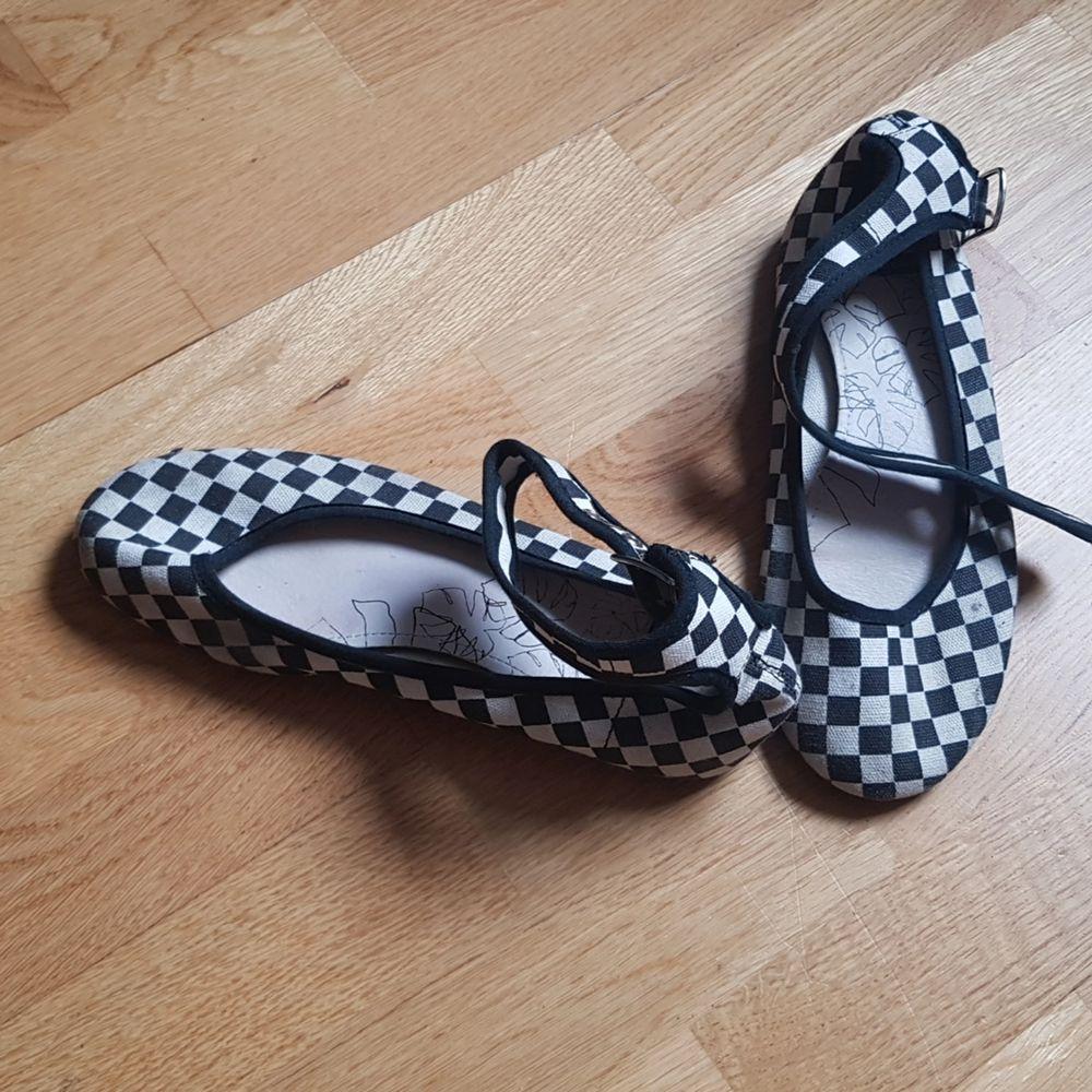 Använda rutiga sandaler från Vagabond.. Skor.