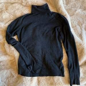 Polo tröja från zara storlek S