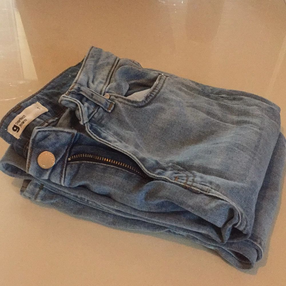 Great condition light blue flare jeans. Size S. Pm for more pics. They sit perfectly.. Jeans & Byxor.