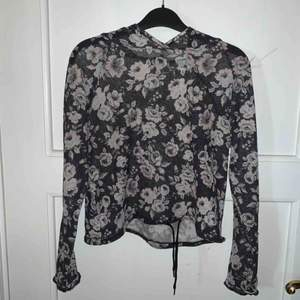 Mesh-tröja från h&m, köpare står för frakt.