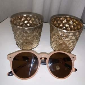 Solglasögon i fin färg!