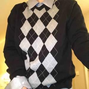 Jätte coola tröjan, använt många gånger men i bra skick