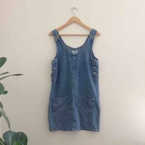 Finfin jeansklänning, köpt på secondhand