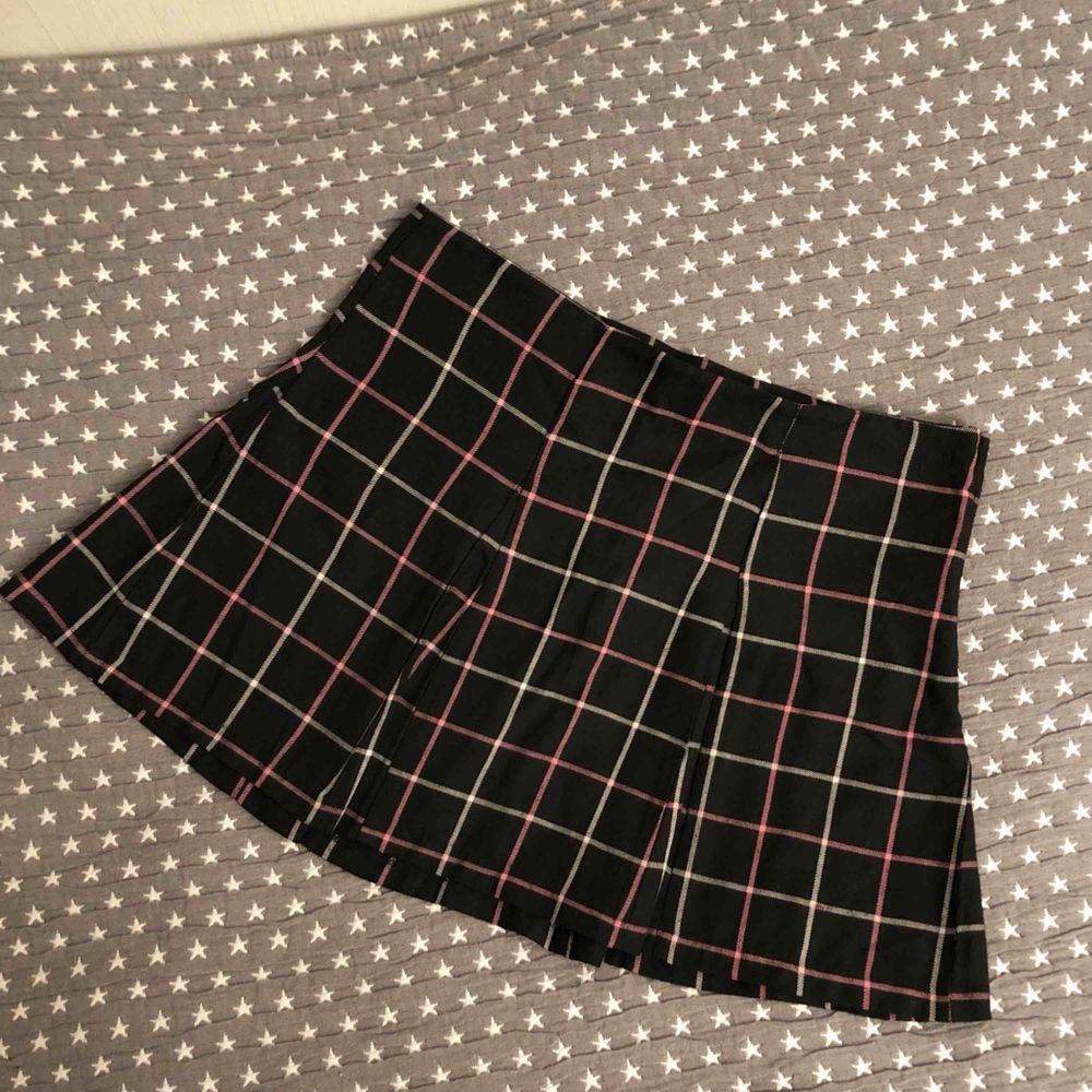 Jätte snygg college kjol från H&M. Kjolar.
