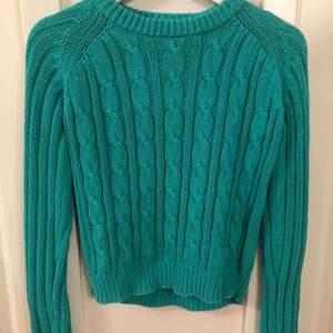 Jättefin stickad tröja från Ullared sticker ingenting, använd fåtal gånger Frakten står ni för själv