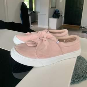Endast har dessa skor på mig inomhus 1 gång.