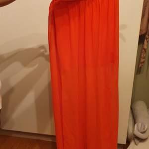 Lång kjol, använd fåtal gånger