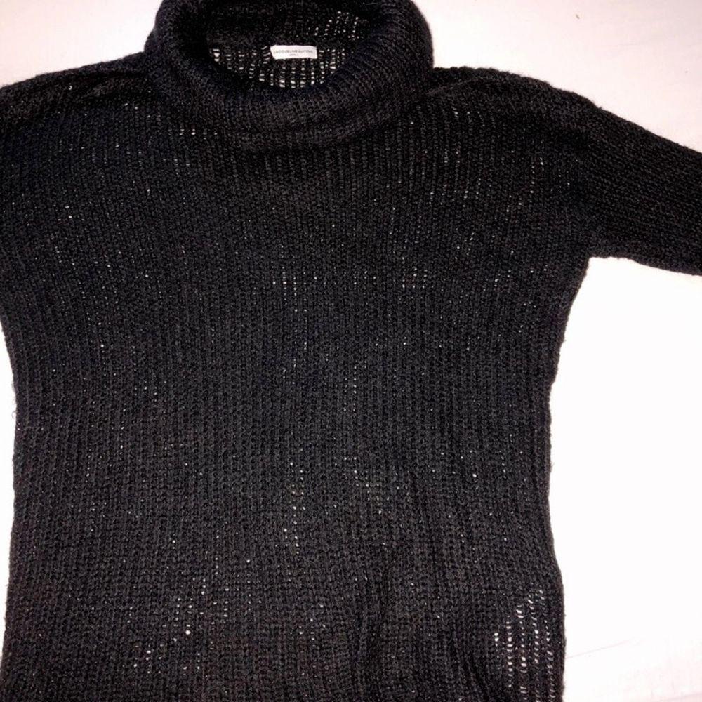 Lite brukt genser er fin og god å ha på. Huvtröjor & Träningströjor.