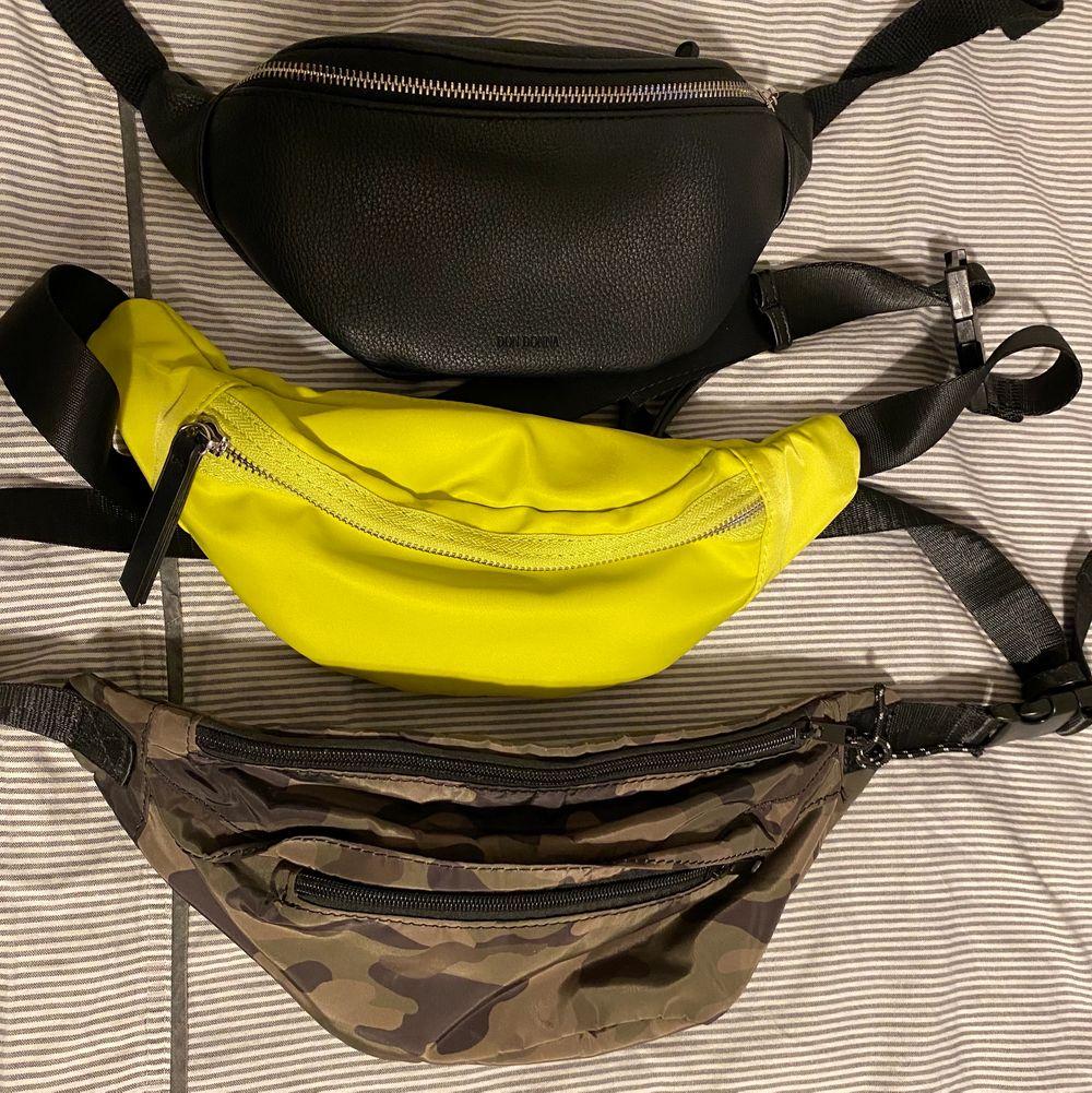 säljer några magväskor som jag inte använder längre 💕 den svarta och gula är från don donna och den tredje är från bikbok 🥰 alla kostar 70kr styck, DEN SVARTA ÄR SÅLD!. Väskor.