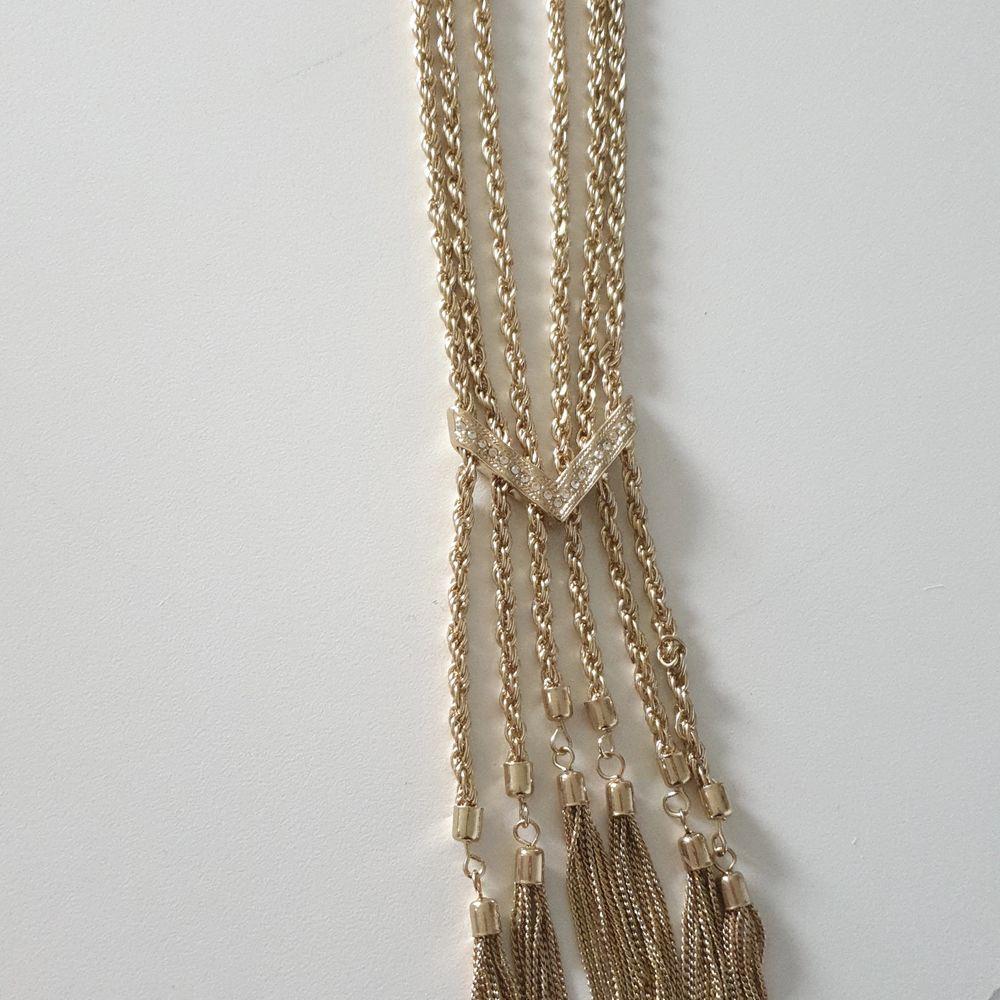 Bling guld halsband med strass aldrig använt. Accessoarer.