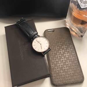 Klockan är använd cirka 10 gånger och är i bra skick. Finns inga repor på uret. Alla delar följer med som vid mitt köp av klockan. Ordinarie pris är 1 599 kr.